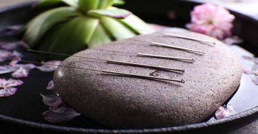 Acupunctuur Naalden Op Steen